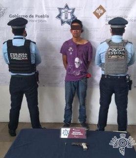 Detienen a presunto asaltante de transporte público