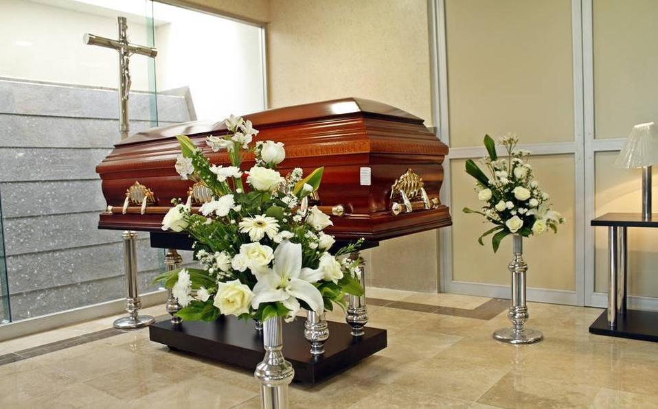 Joven resucita en su funeral