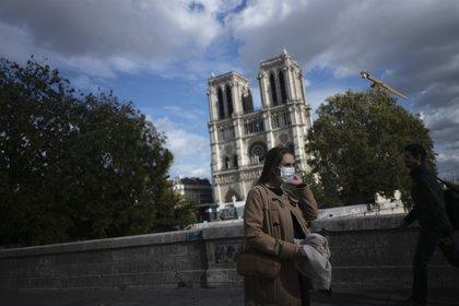 Toque de queda en Francia por aumento de contagios por Covid19