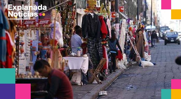 Comerciantes del centro histórico reprochan a Claudia Rivera el cierre del zócalo en temporada decembrina