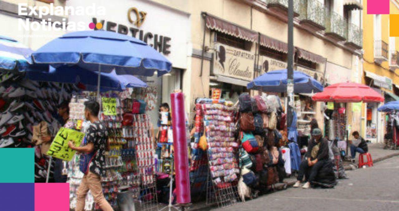 Claudia Rivera no puede controlar el comercio informal, fracasa en su intento de retirarlos del zócalo