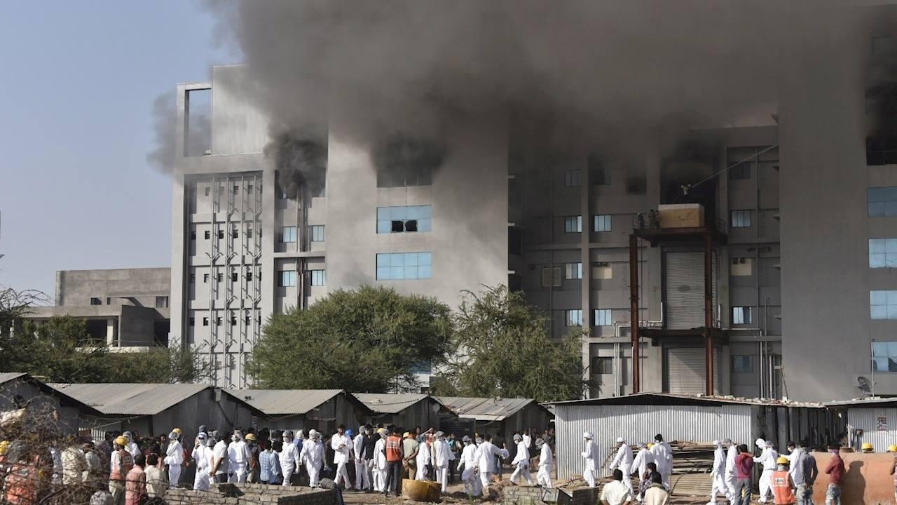 Se registra incendio en una de las sedes del mayor fabricante de vacunas del mundo en India