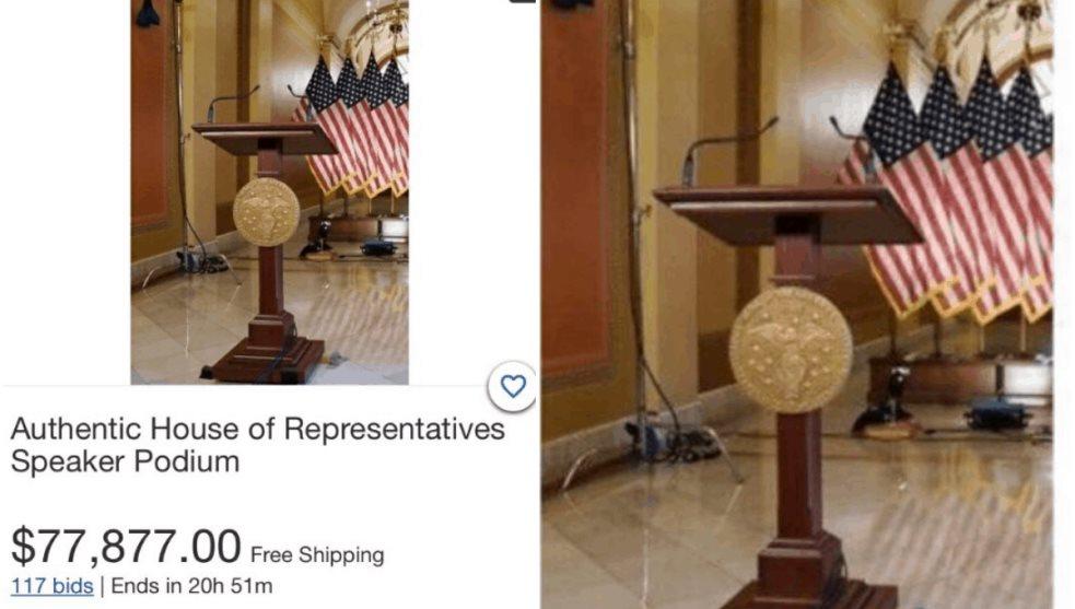 Subastan supuesto atril del Capitolio