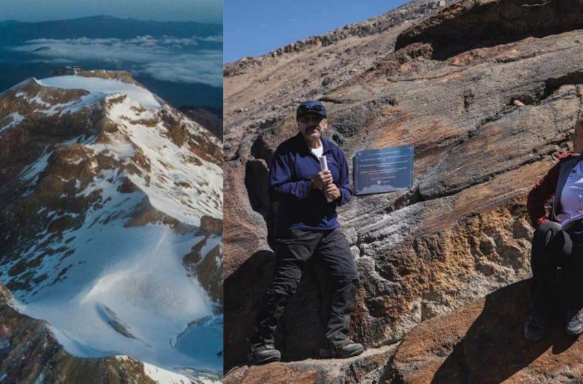 UNAM coloca placa del deshonre por extinción de glaciar