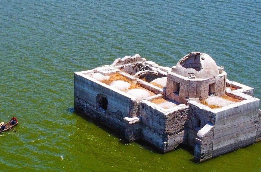 Sequía en Guanajuato deja al descubierto templo