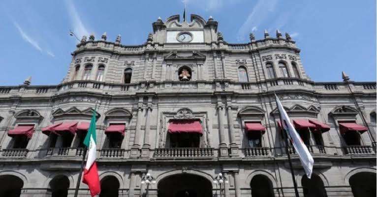 Claudia Rivera se niega a renovar contrato de paramédicos, rescatistas y bomberos del municipio