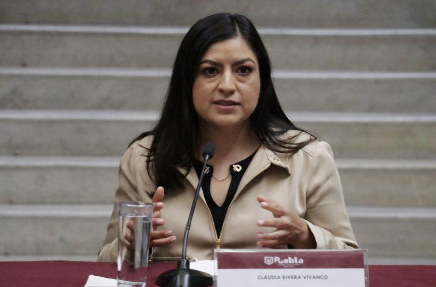 """Claudia Rivera justifica presencia en municipios asegurando que imparte """"asesorías políticas"""", pese a ser la peor alcalde del país."""