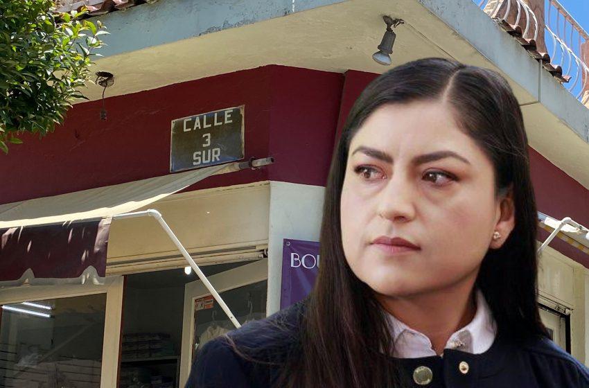 Claudia Rivera hace gasto millonario para poner placas con nomenclatura de calles, que solo beneficiará a 8 colonias